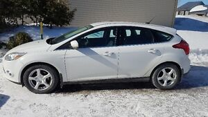 2012 Ford Focus SEL à hayon / Hatchback
