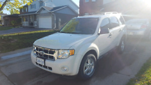 2010 Ford Escape 4cyl Good on Gas