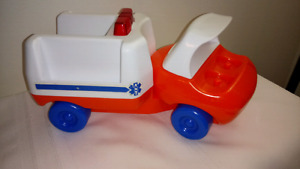 Little Tikes Vintage Ambulance