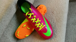 New nike mercurial soccer shoes.