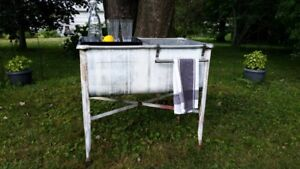 Great Antique Wash Tub Event/Party Drinks Cooler Tub