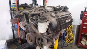 FS Ford 4.6L DOHC motor and extras