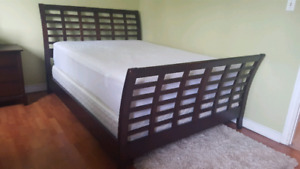 ***REDUCED*** Queen size sleigh bed