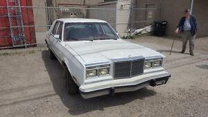 1988 Chrysler New Yorker 5th avenue Sedan
