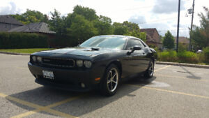 2011 Dodge Challenger Sxt Coupe (2 door)