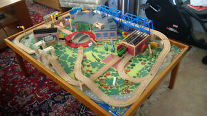 Thomas the Tank Engine Playtable and tracks Set