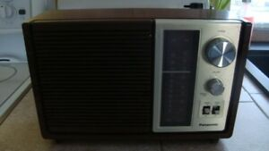 ancien radio panasonic