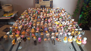 Lot of 370 Littlest pet shop pets with alot of accessories