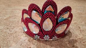 Crown and clip -- great for Irish dancing Kitchener / Waterloo Kitchener Area image 1