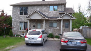 Beautiful renovated apartment in Aylmer Quebec