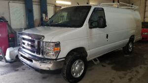 2013 Ford E250 allongé , 97000 km. propane et essence