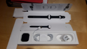 Apple Watch Series 4 Space Gray Alum Case 40mm Black Band