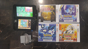 Nintendo 3DS XL  w/ 4 games and charger