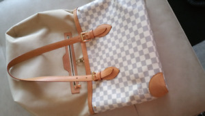 Authentic LV Hampstead MM Damier Azure located in Kelowna
