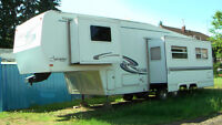 28 Foot Keystone Sprinterr 5th Wheel Trailer