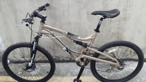 FULLY SUSPENSION MOUNTAIN BIKE,DISC BRAKE,ALMOST BRAND NEW,