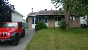 maison à louer incluant logement parental avec entrée privée