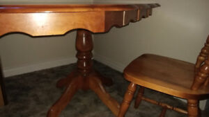 Maple table & 4 chairs. Solid wood top, base & chairs.