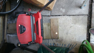 Lawnmower, troy built, 18 inch cutting blade, almost new
