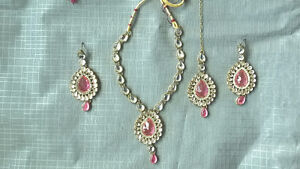 Brand new necklace sets