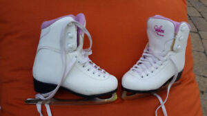 Nearly new skate for girls- size 13