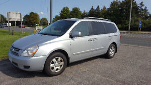 2008 Kia Sedona Minivan, SAFETY, LOW KMS $4800