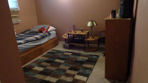UWO student room for rent available MAY O1