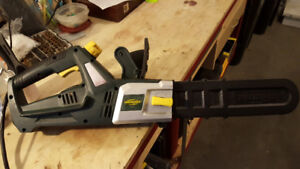 Yardworks 7.5A 2-in-1 Electric Chainsaw and Polesaw  $75