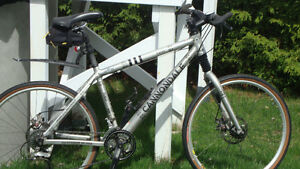 Vélo cross country Cannondale F-600 Furio