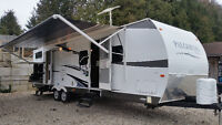 2013 FOREST RIVER PALOMINO T-831BHS