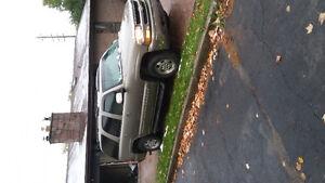 2000 Chevrolet Tahoe SUV, Crossover