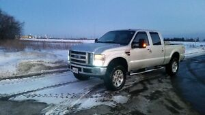FORD F250 LARIAT CREW CAB FULLY LOADED & EXTRAS- MUST SEE!