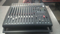 amplified mixer model Emx2000 by yamaha