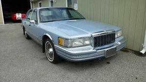 1990 Lincoln Town Car  5.0 litre fuel injected