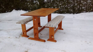 Pine trestle table with two benches