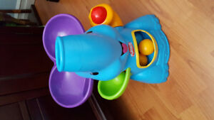 Playskool Elephant with 5 balls