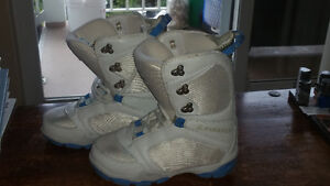 Snow Board/Winter Boots, Size 4.5 LIKE NEW