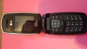 Old phone for sale 40 bucks. No charger available.