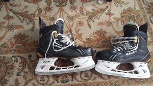 Bauer one.8 skates size 8.5D great condition