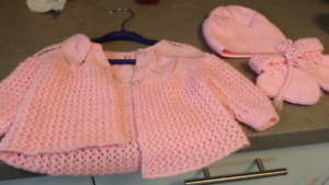 Knitted sweater, hat and booties