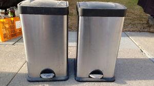 Garbage/trash cans