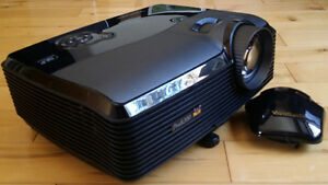 ViewSonic Pro8200 1080p DLP Home Theatre Projector/Screen/Mount!