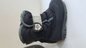 Kamic boots size 6