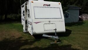 End of Season Camper Special ..Priced to move.. Cornwall Ontario image 2