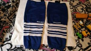 Hockey Socks Maple Leafs 2 pairs $5 ea pr fits 12 yrs to adult
