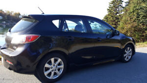 Low Mileage 2011 Mazda 3 GS sport with 2.5l