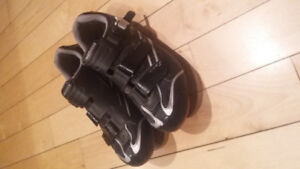 Shimano R088 road bike shoes with cleats