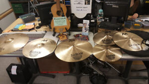 6 Cymbal's with Carrying Case - All like New - Sold as set 700$