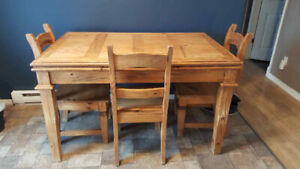 Mexican Pine table and chairs