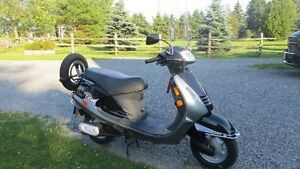Scooter, Like New, 115cc Gas Powered Kinetic Nova